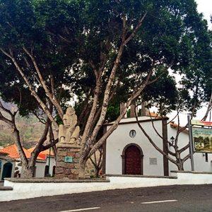 Kirchplatz von Fataga