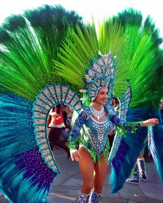 Tänzerin beim Karneval auf Teneriffa