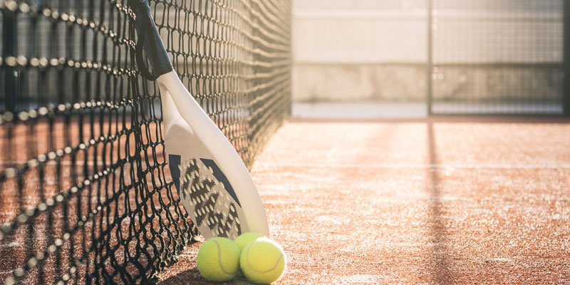 Padel und Tennis spielen